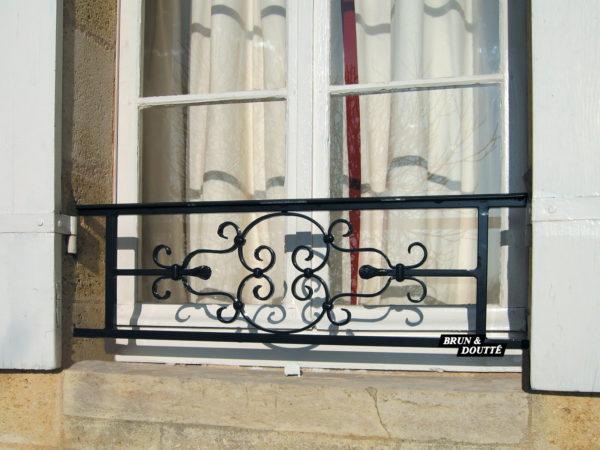 À L'ANCIENNE barre d'appui de fenêtre acier
