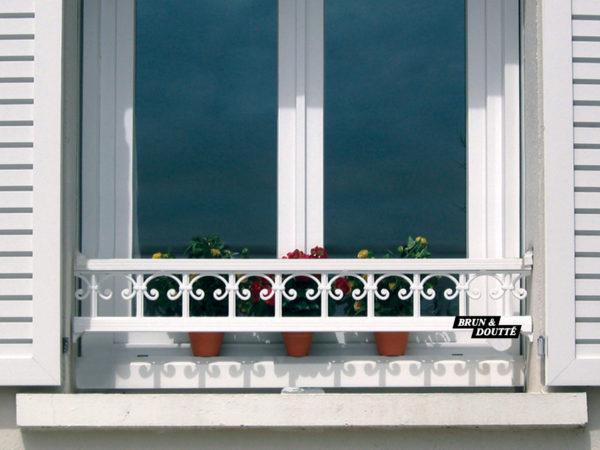 PRAGUE 19 barre d'appui de fenêtre aluminium