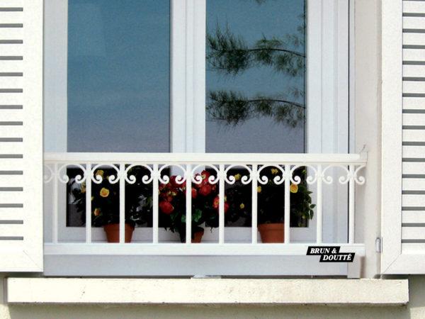 PRAGUE 35 barre d'appui de fenêtre aluminium