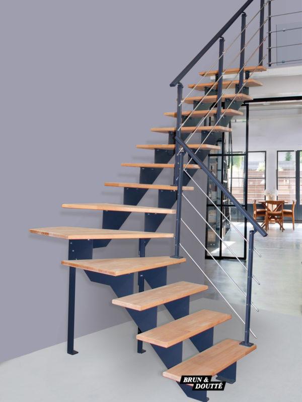 MONTMARTRE escalier d'intérieur