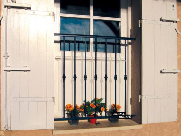 PARIS Garde-corps de fenêtre acier