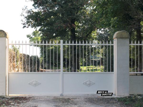NEUILLY portail acier
