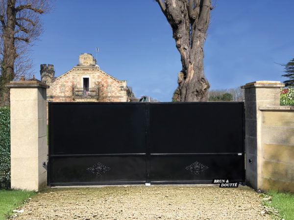 CHAMBÉRY portail acier